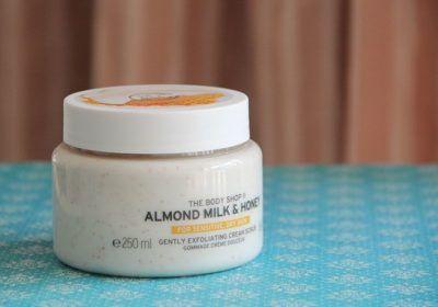 Esfoliante linha Leite de Amêndoas e Mel, The Body Shop