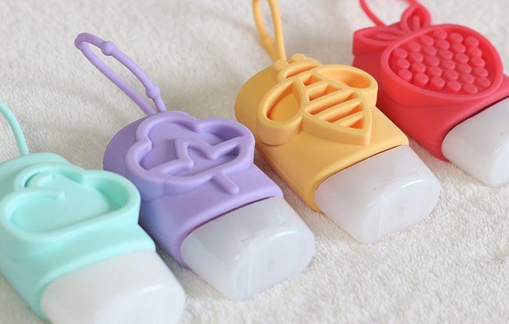 É fofo!: Gel antisséptico e hidratante mini com capinha de silicone Cuide-se Bem Boticário